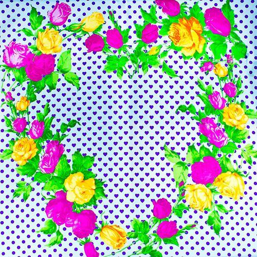 Шелковый платок Eterno белый в фиолетовых сердцах с розами, фото