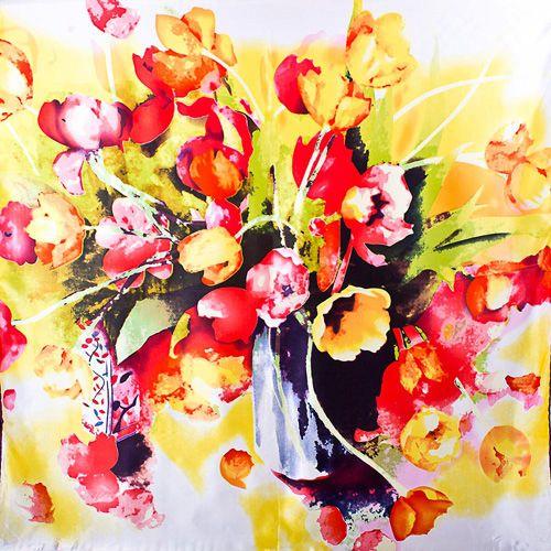 Шелковый платок Eterno с принтом в виде акварельного букета тюльпанов, фото