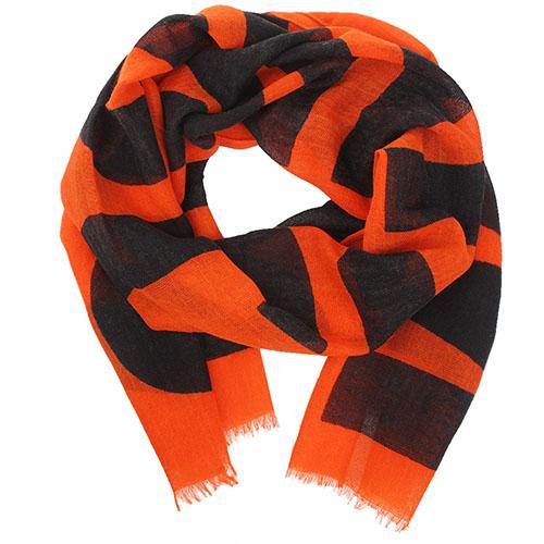Широкий шарф Boutique Moschino оранжевого цвета с брендовым принтом, фото