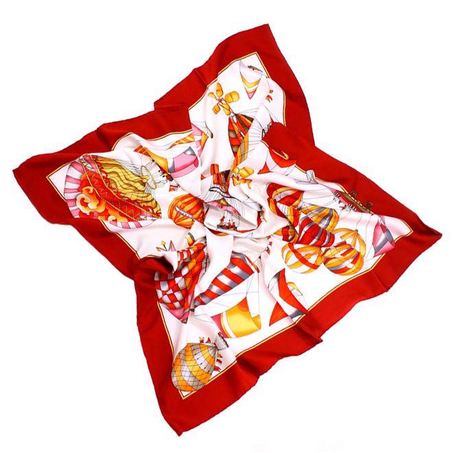 Шелковый платок с интересным ярким принтом на тему полетов