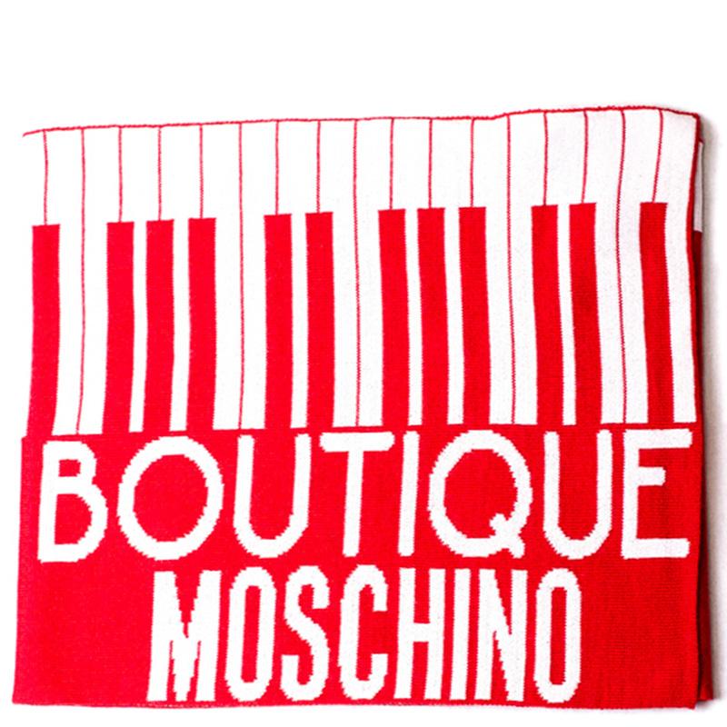 Красный шарф Boutique Moschino с брендированием