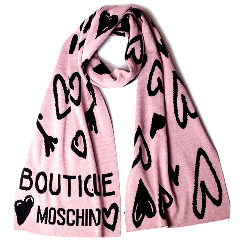 Шарф Boutique Moschino с пудровыми и черными сердцами