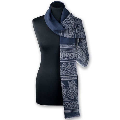 Шерстяной палантин Maalbi джинсового цвета с орнаментом