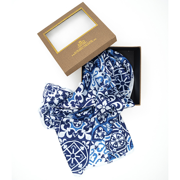 Шелковый платок Amo Accessori Majolica голубого цвета