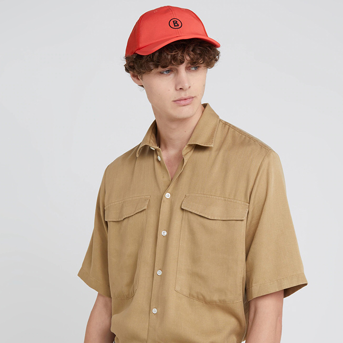 Красная кепка Bogner с вышивкой-логотипом