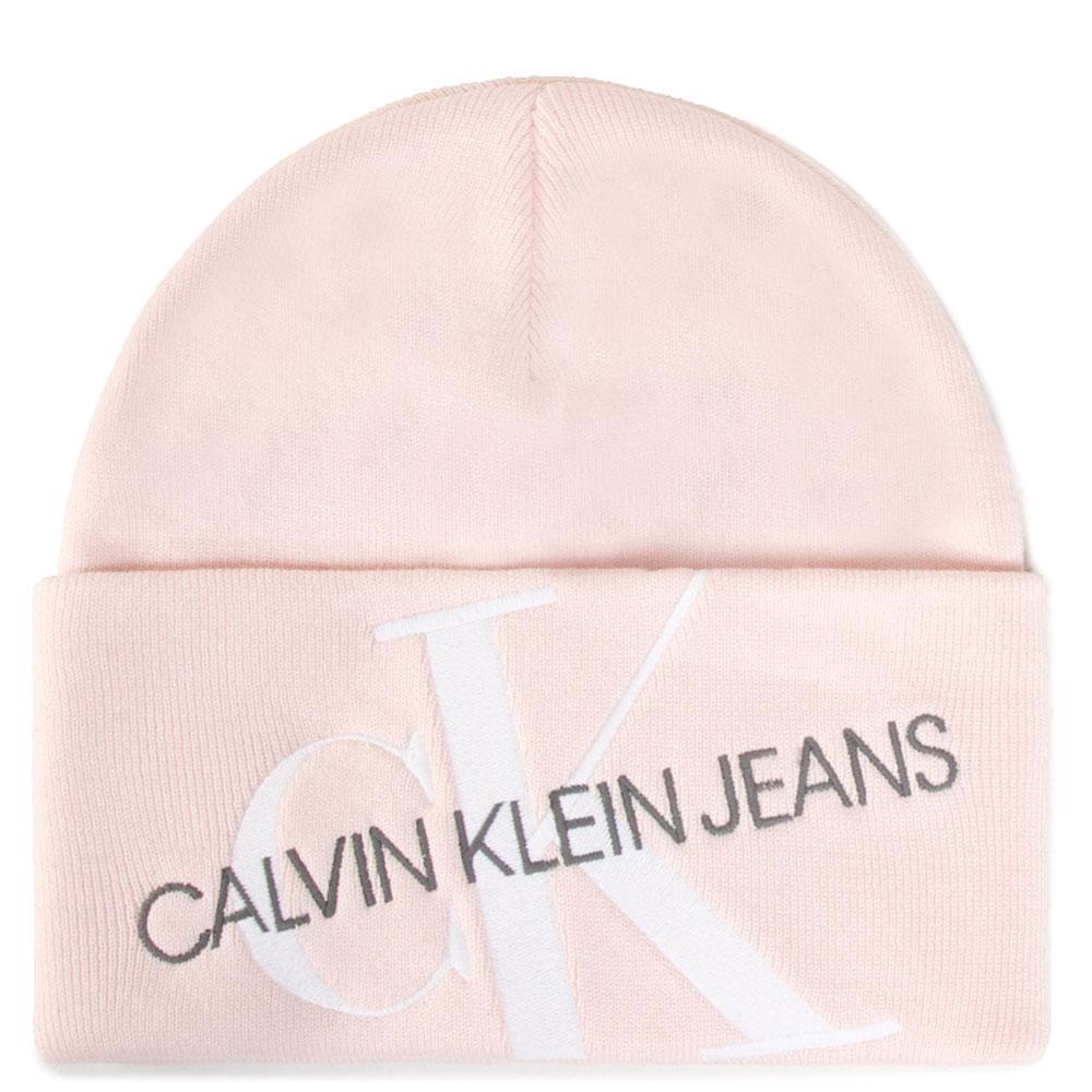 Розовая шапка Calvin Klein с брендовой вышивкой