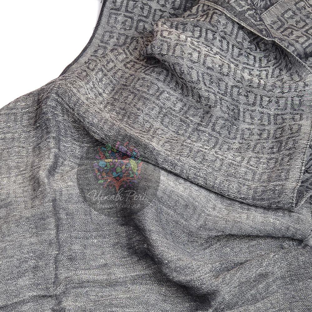 Шарф Dondup в оттенках серого цвета