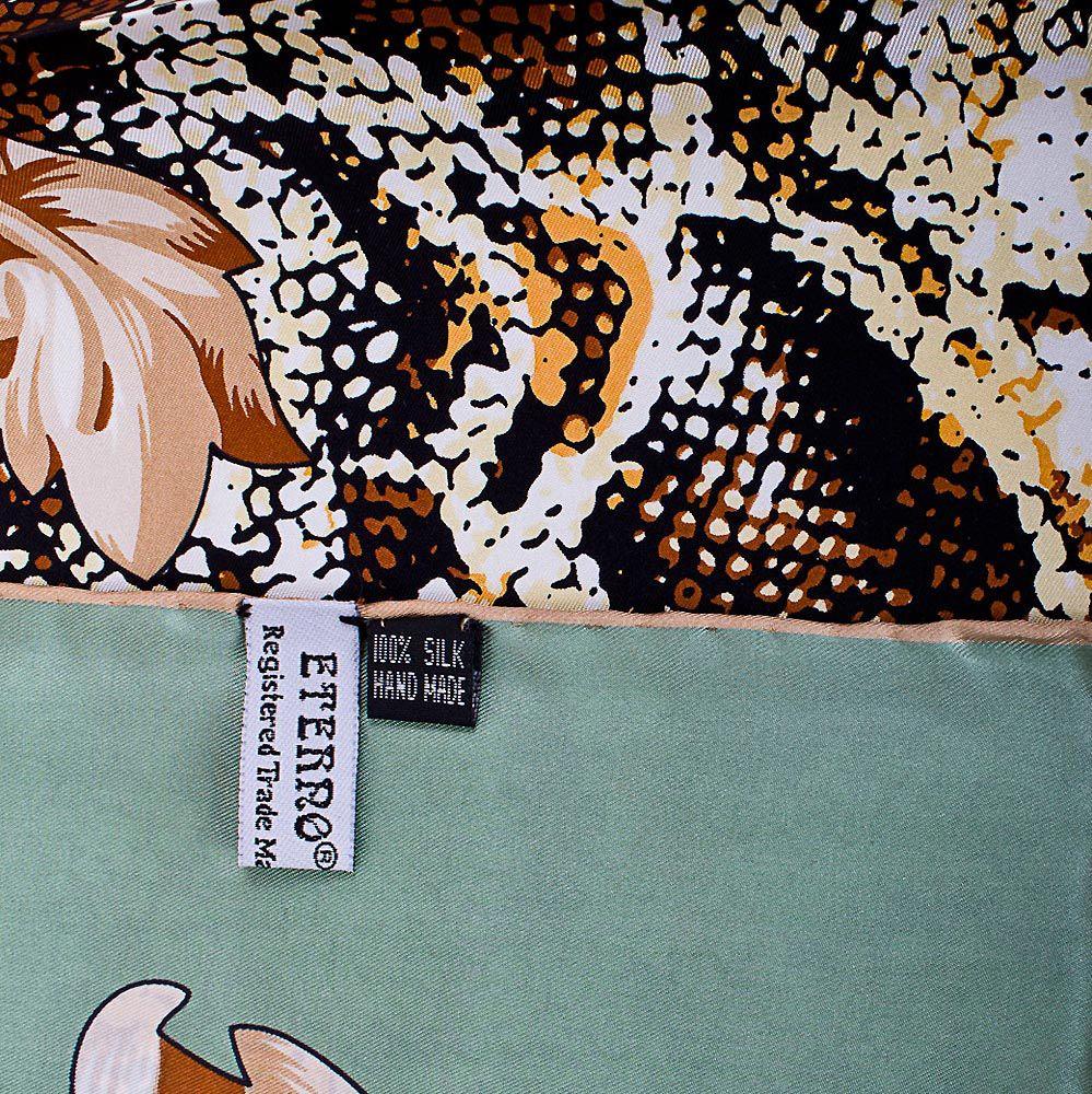 Шелковый платок Eterno мятный с повторяющим рисунок шкуры рептилии бежевым принтом