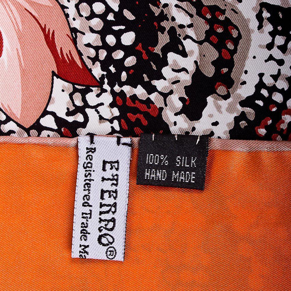 Шелковый платок Eterno оранжевый с повторяющим рисунок шкуры рептилии бордовым принтом