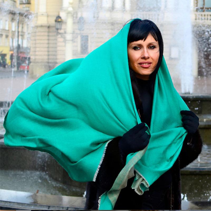 Кашемировый шарф Chadrin двухсторонний зеленый с бежевым