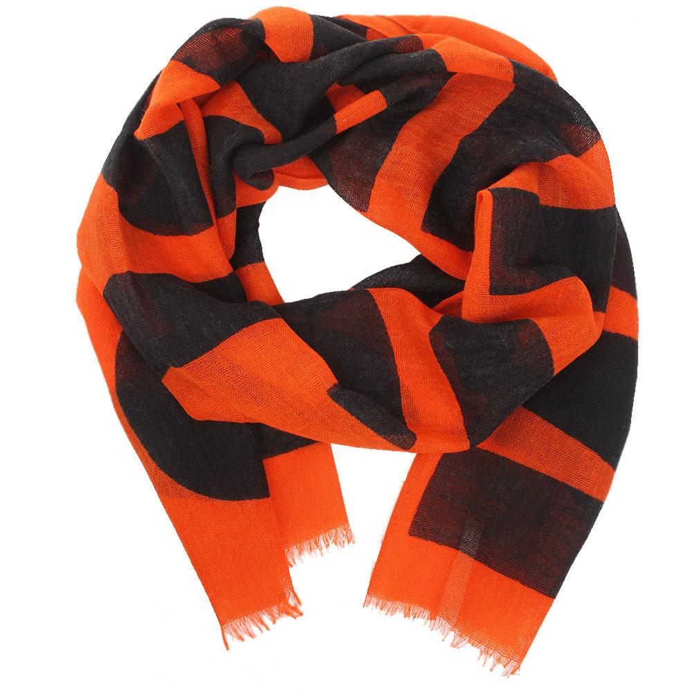 Широкий шарф Boutique Moschino оранжевого цвета с брендовым принтом