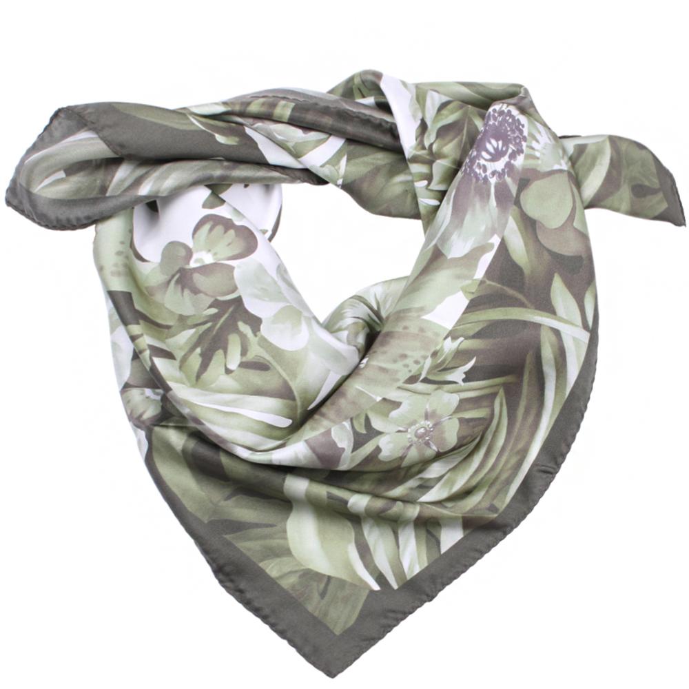 Шелковый платок Fattorseta оливкового цвета