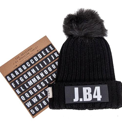 Вязаная шапка J.B4 Just Before черного цвета, фото