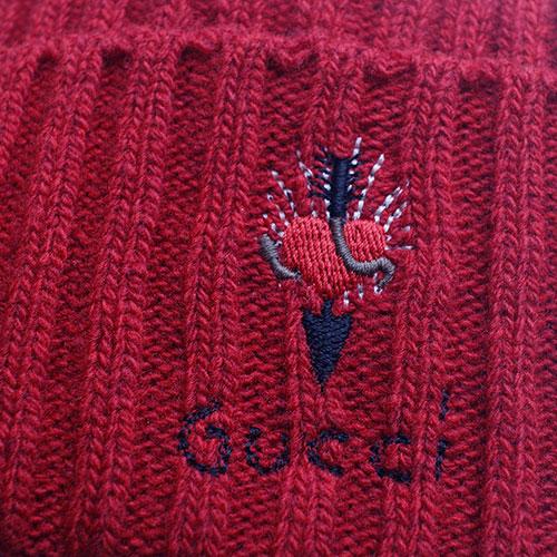 Шапка Gucci с вышивкой в виде сердца, фото