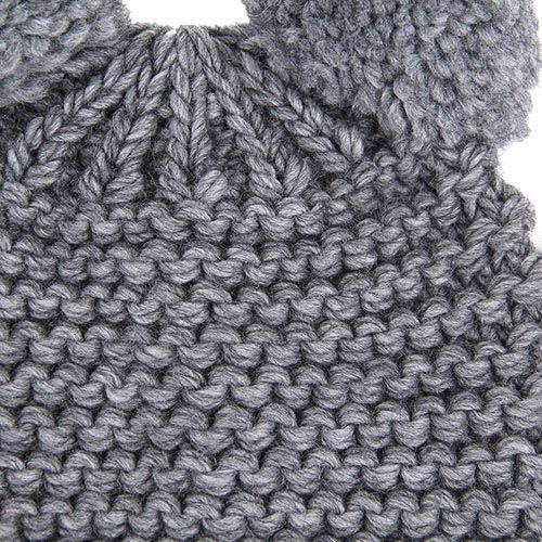 Шапка Le Camp Moronero вязаная серого цвета с ушками-балабонами, фото