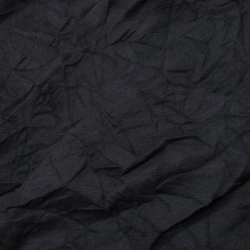 Жатый шарф-плиссе Fattorseta в темно-синем цвете, фото