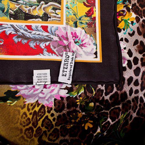 Шелковый женский платок Eterno с тропическим ярким принтом, фото