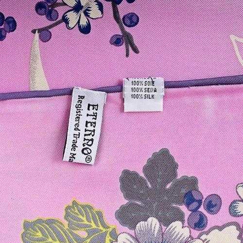 Шелковый платок Eterno розовый с синими и белыми цветами, фото