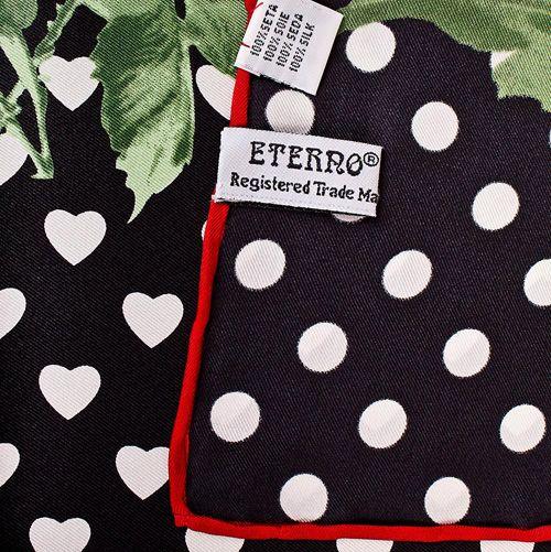 Шелковый платок Eterno черный в белых сердцах с розами, фото