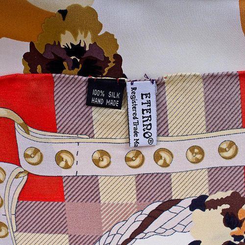 Шелковый платок Eterno белый с изображением цветков гортензии в красном обрамлении, фото