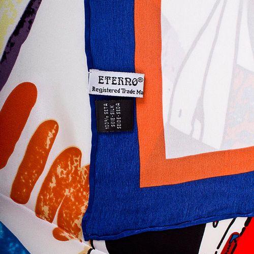Шелковый платок Eterno с ярким fashion-принтом на белом фоне с синей каймой, фото