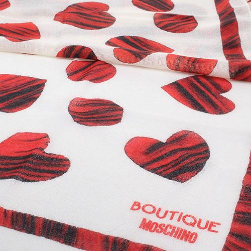 Шерстяной шарф Boutique Moschino бежевого цвета в красные сердечки, фото