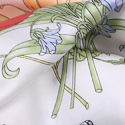 Белый платок Fattorseta с цветочным принтом, фото