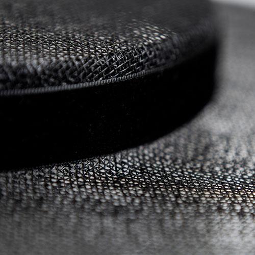 Шляпа черная Shapelie Джейн из синамей, фото