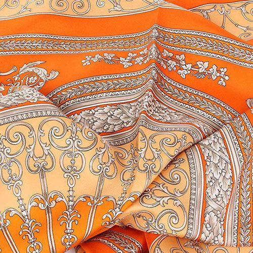 Шелковый платок Versace оранжевого цвета с нежным рисунком, фото