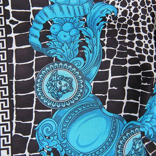 Шелковый платок Versace черно-белый с синим рисунком, фото