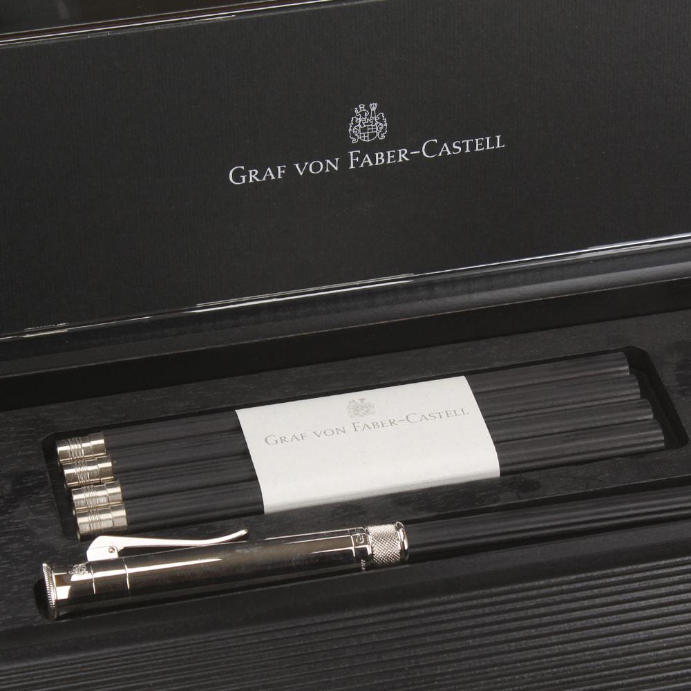 Письменный набор Graf von Faber-Castell из пенала и кедровых карандашей с платиновым напылением