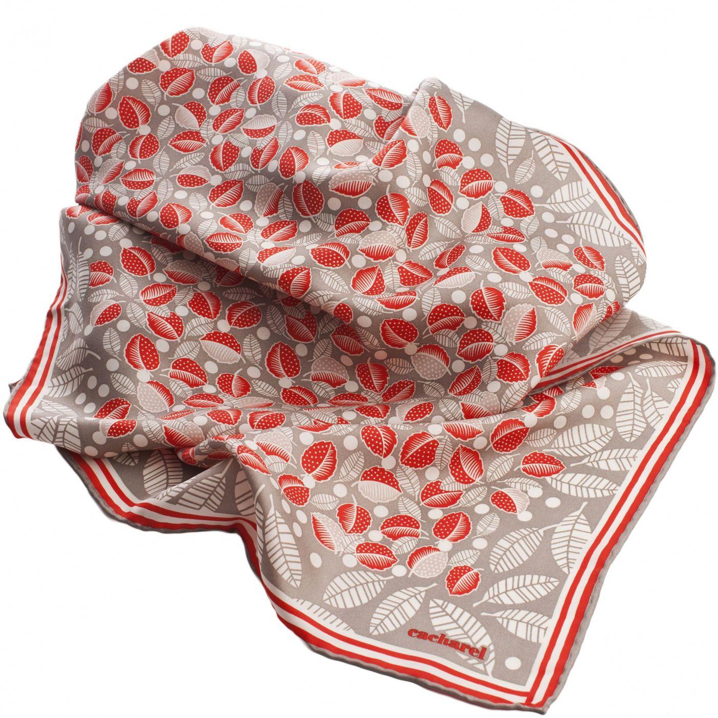 Набор Cacharel из шелкового шарфа и дизайнерского брелока