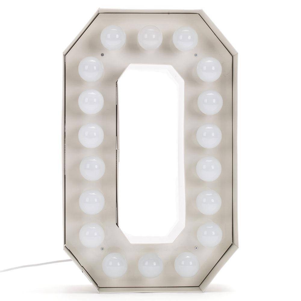 Буква O с подсветкой Seletti