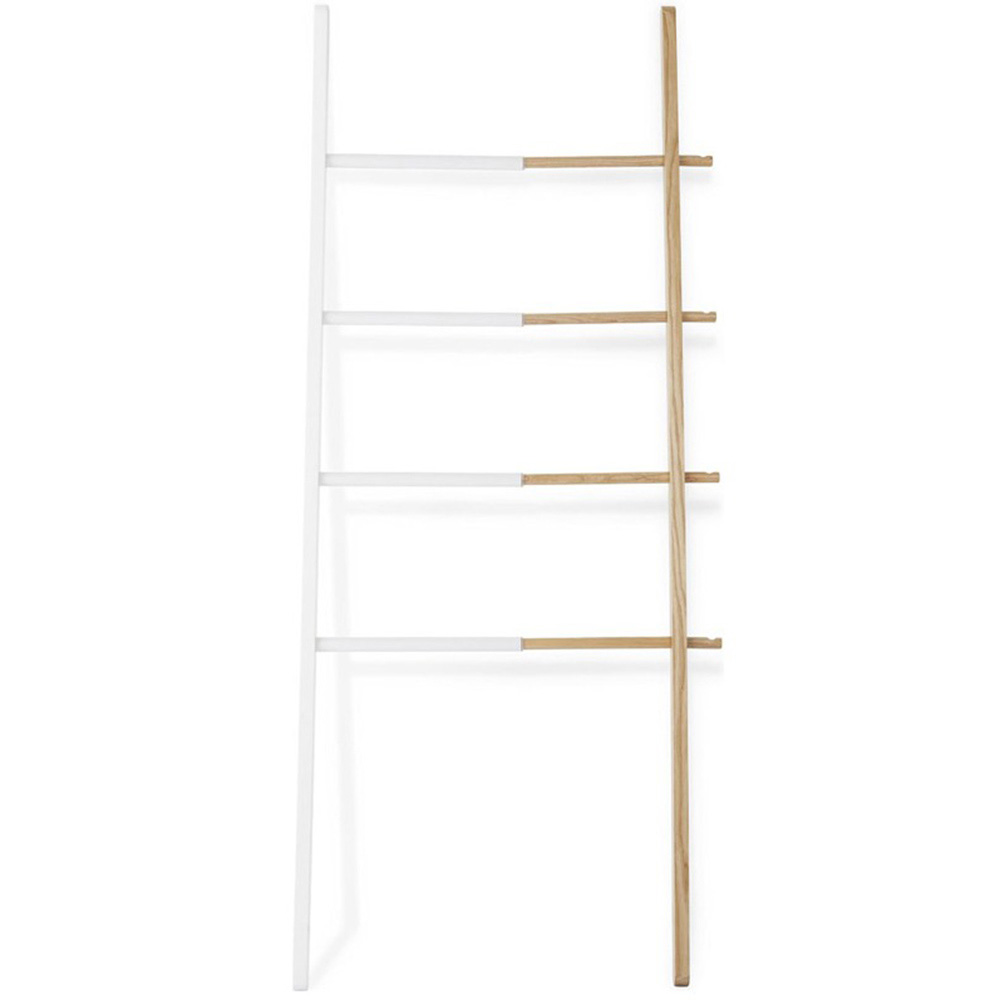 Вешалка-стойка Umbra Hub в форме лестницы