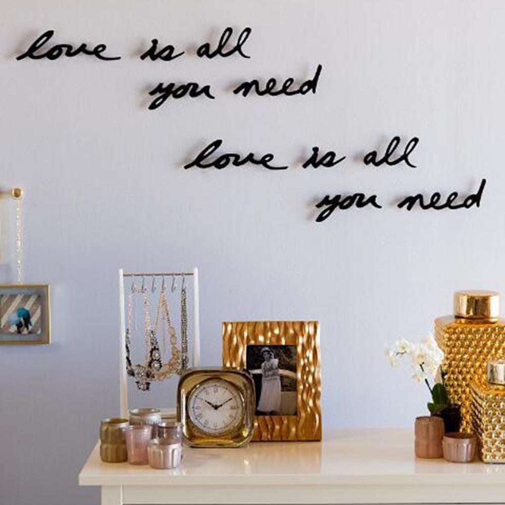 Декоративная надпись Декор Umbra Mantra Love для стен