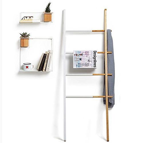 Вешалка-стойка Umbra Hub в форме лестницы, фото
