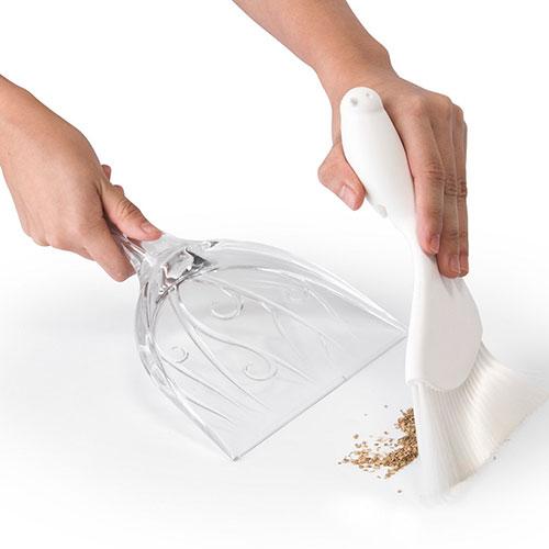Совок и щетка для уборки Qualy Sweepie Sparrow белого цвета, фото