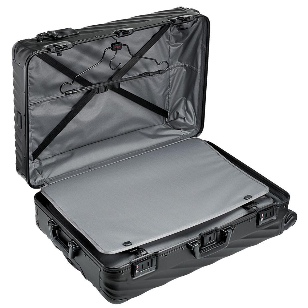 Черный чемодан Tumi 19 Degree Aluminium 77,5х52х28см
