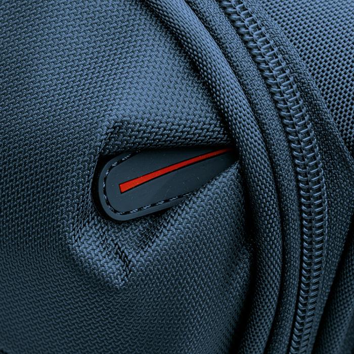 Большой чемодан темно-синего цвета 78х50х33-37см Roncato Connection на 4х колесах