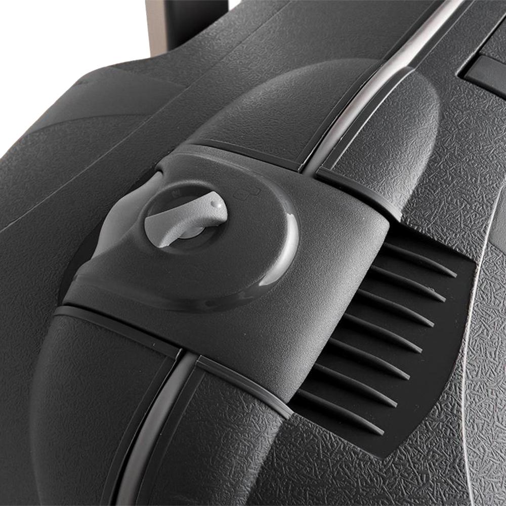Чемодан среднего размера 68x48x27см Roncato Light черного цвета для путешествий