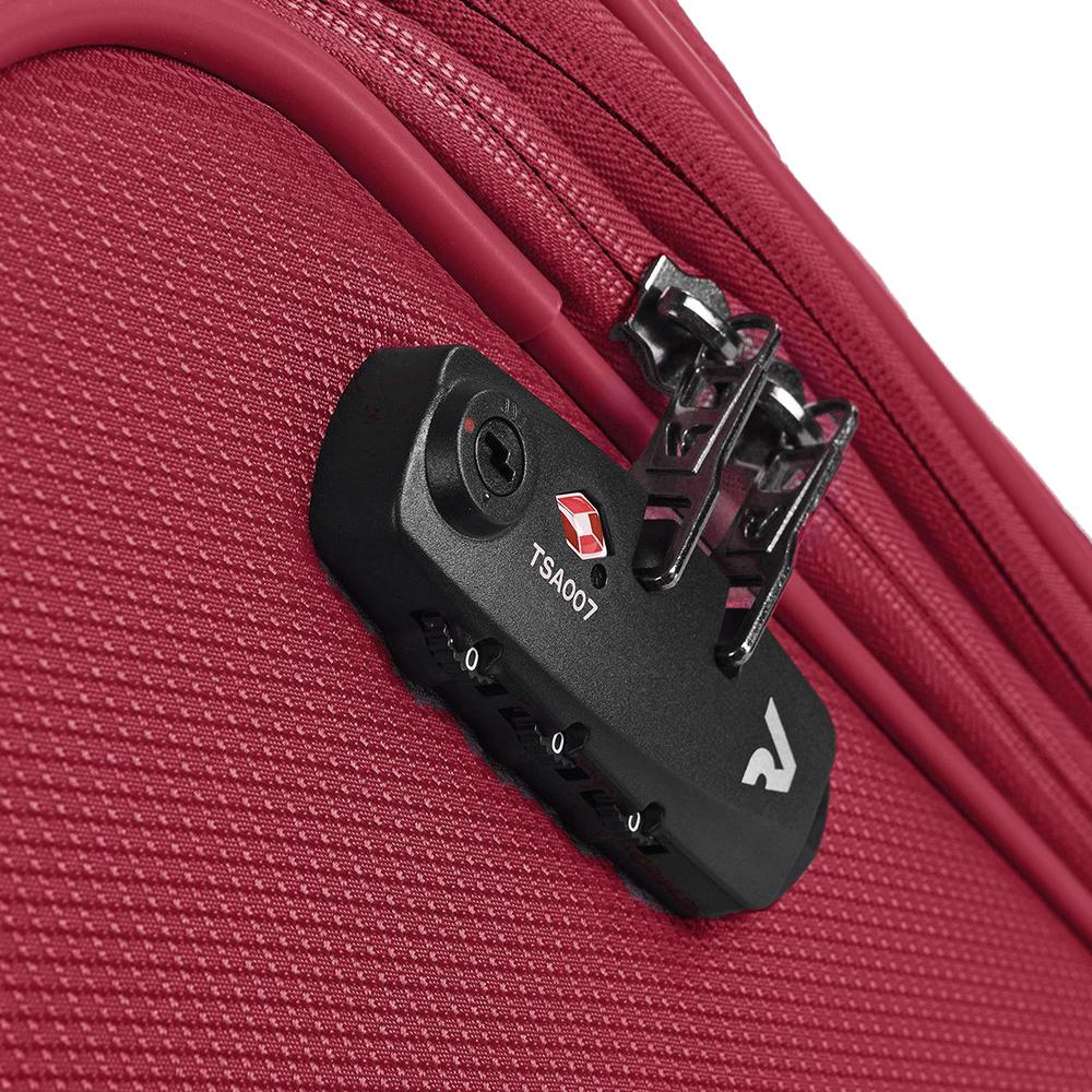 Красный чемодан среднего размера 67x44x27-31см Roncato Ironik с 4х колесной системой