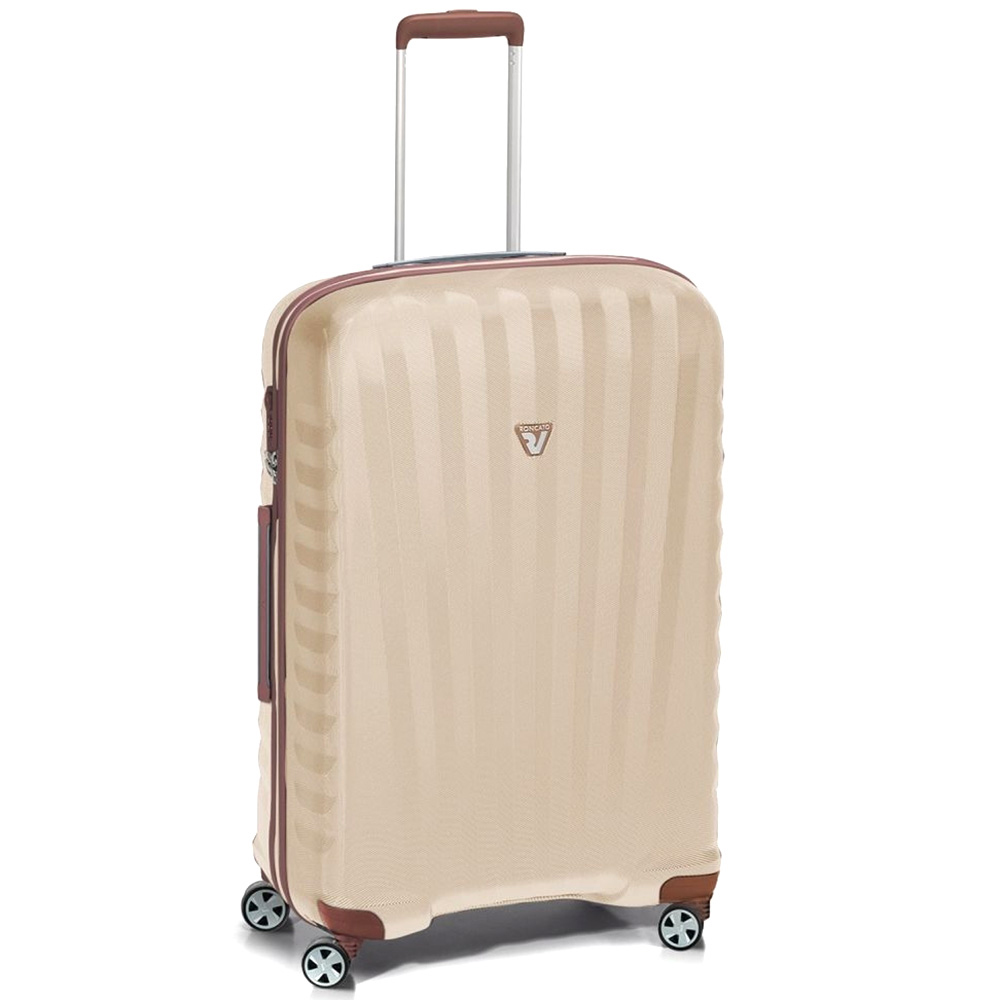 Бежевый чемодан 71x46x24см Roncato Uno ZSL Premium среднего размера с 4х колесной системой