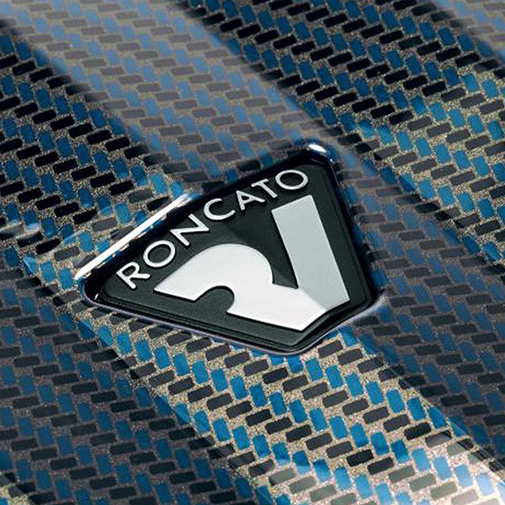 Чемодан большого размера 78х50х30см Roncato Uno ZSL Premium с корпусом синего цвета