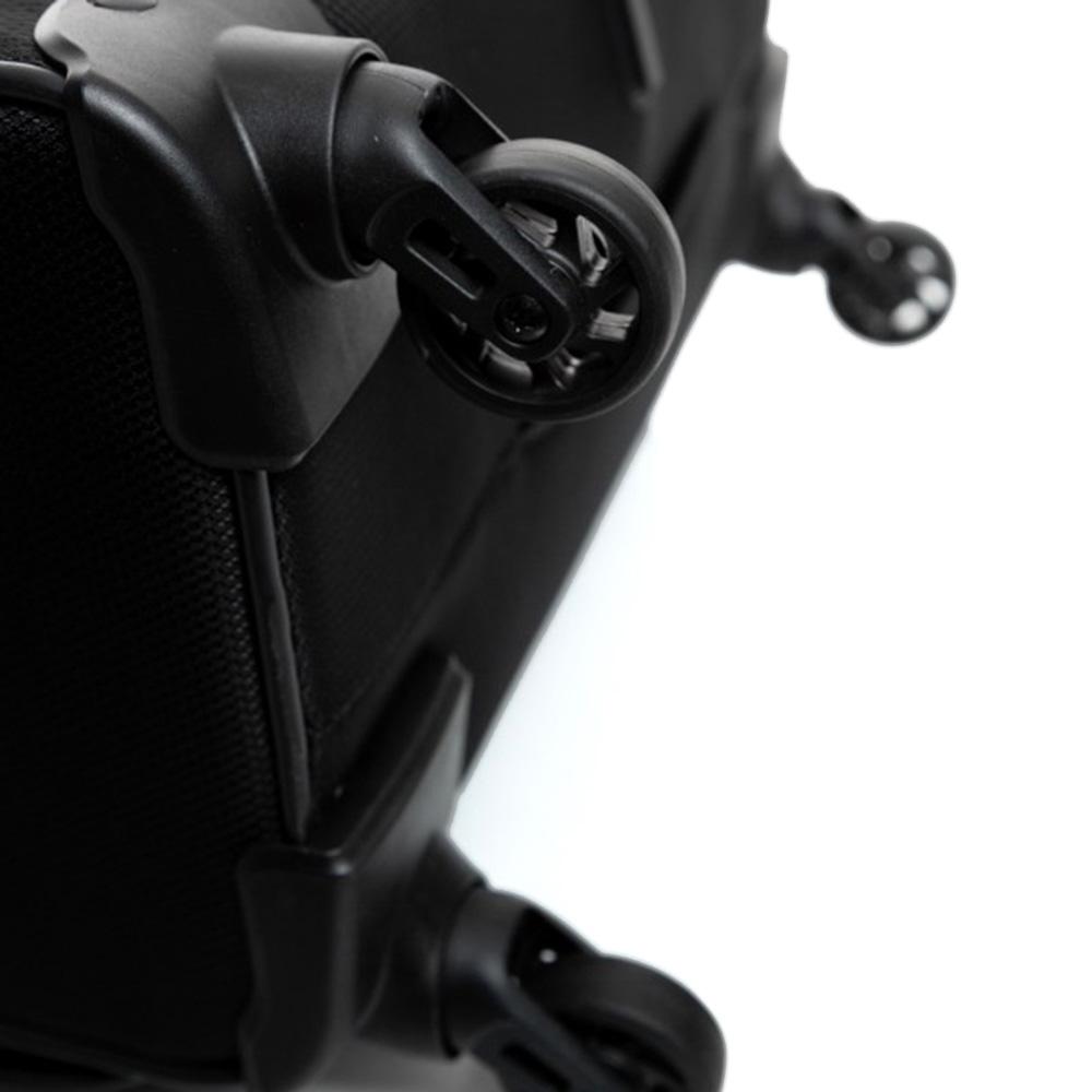 Черный дорожный чемодан 66х42х26см Roncato Jazz среднего размера