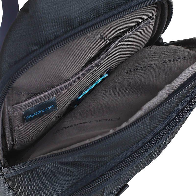 Синий монорюкзак Piquadro Pulse из кожи и текстиля