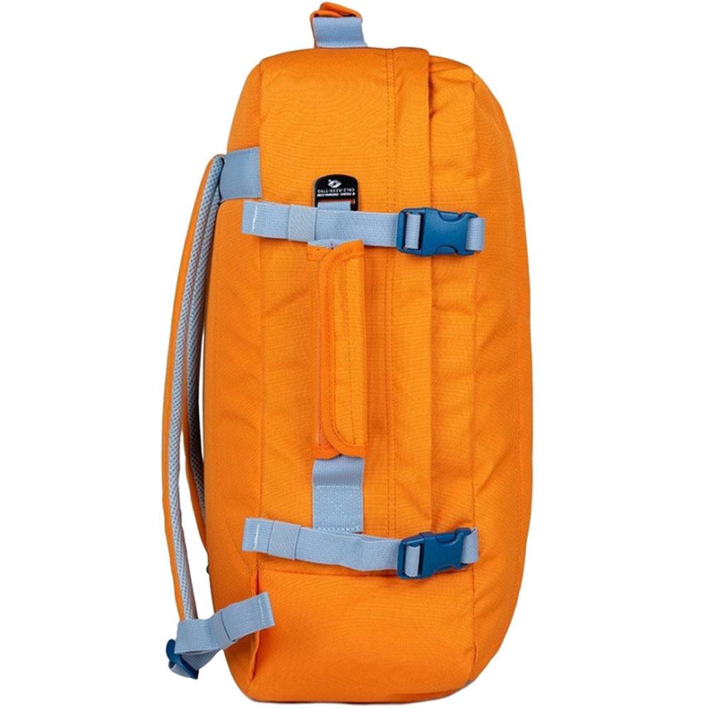 Сумка-рюкзак CabinZero в оранжевом цвете