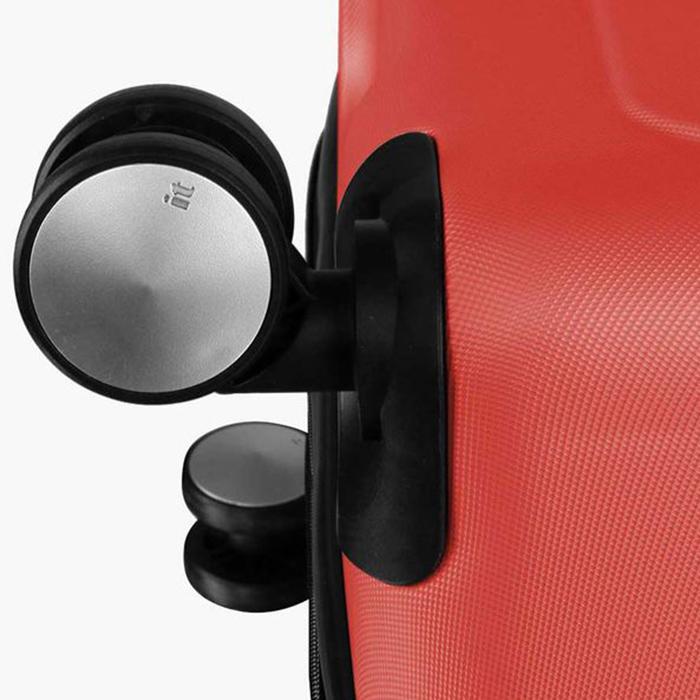Красный чемодан IT Luggage Mesmerize Cayenne 55х36х26см