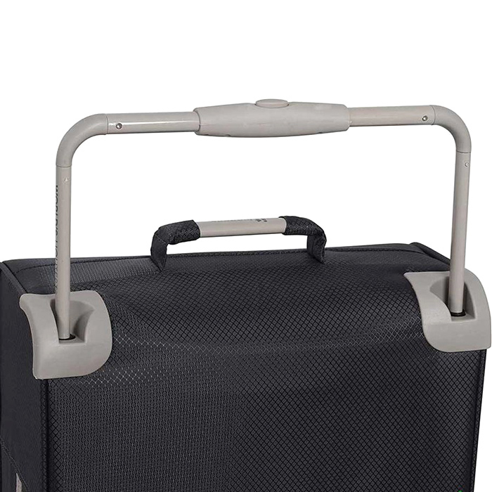 Черный чемодан IT Luggage New York Raven 58х34х20см