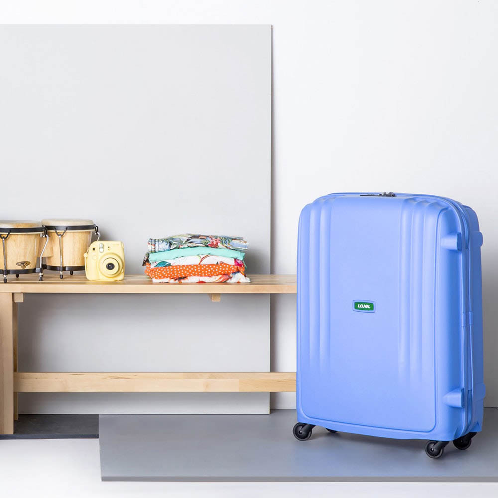 Большой чемодан 49х71х29,2см Lojel Streamline фиолетового цвета с выдвижной ручкой