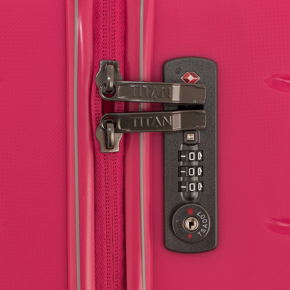 Большой чемодан 77х51x29см Titan Limit с телескопической ручкой